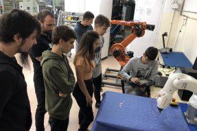 Incorporación del robot KR3 AGUILUS a los talleres de Mantenimiento