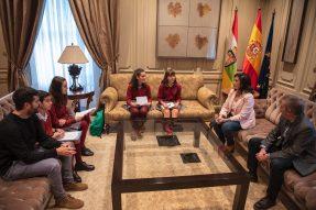 El equipo de Reporteros de la ESO entrevista a Concha Andreu, presidenta del Gobierno de La Rioja.